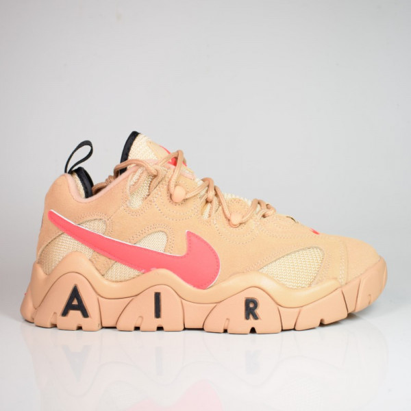 NIKE AIR BARRAGE LOW VACHETTA TAN / LASER CRIMSON