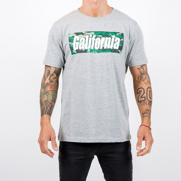 camiseta gris camo