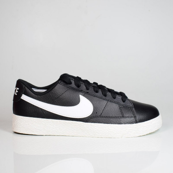NIKE BLAZER LOW GS BLACK/WHITE-SAIL CZ7106-001