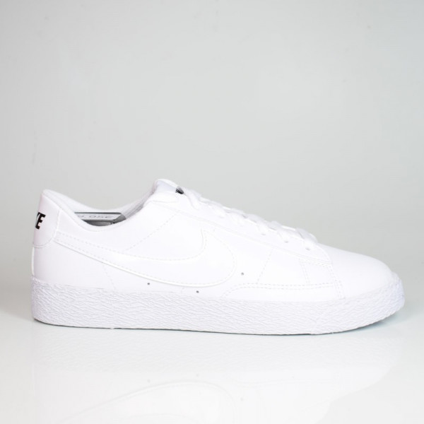 NIKE BLAZER LOW (GS) WHITE/BLACK 555190-102