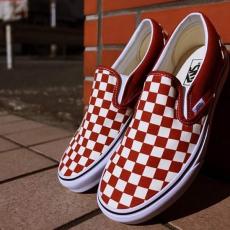 Vans Slip-on Checkerboard Picante ya disponibles! P. V. P: 69,95€WWW.GALIFORNIASHOP.COM#vans #slipon #checkerboard #coruña #sneakers #galifornia #summer